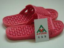 2013年新款浴室拖鞋和棉拖鞋批发现在进行时