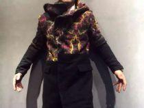 YSL(圣罗兰)时装走秀款,羊毛呢子大衣外套,版型修身显高。