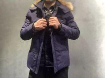 PP(菲利普▪普兰)新款专柜白鸭绒羽绒服,真貉子毛领可拆卸。