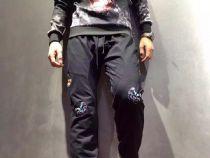 华伦天奴(Valentino)超炫酷,完美的版型,精选上等面料。
