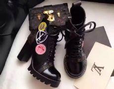 广州一比一高仿奢侈品欧美大牌男女鞋货源批发招代理图片
