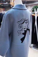 广州北京新到热款图案大衣批发