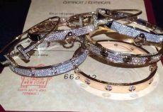 厂家批发各种专柜一比一首饰,卡地亚手镯,蒂芙尼戒指