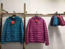 黑龙江哪里有服装批发市场,哪里有便宜羽绒服批发,几元羽绒服批发厂家