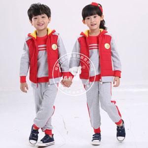 运动休闲园服代理就选丘比熊童装,全力打造幼儿园园服知名品牌。