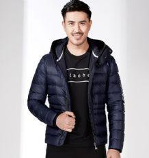 冬季新款男装连帽羽绒服修身纯色简单百搭青年轻薄保暖外套