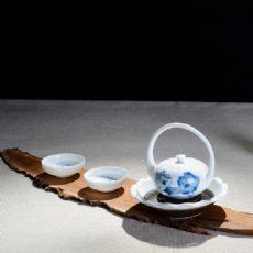 青花花好月圆-创意手绘青花墨荷提梁壶茶具套组礼盒装