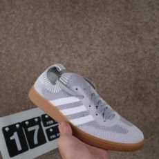 鞋子批发市场 春季新款Adidas 三叶草 袜子鞋
