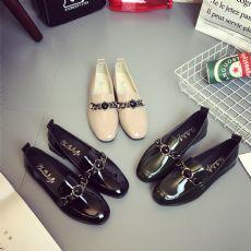 新款时尚水钻金属链小单鞋女鞋子