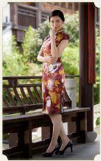 韵彩牡丹短旗袍