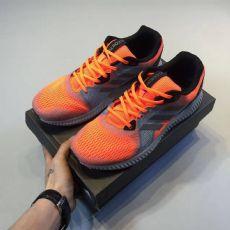 阿迪高档运动鞋代理批发加盟