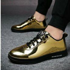 依流男鞋微信男鞋货源,微商卖鞋子一手货源,运动鞋微信代理,好工厂图片