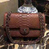 高仿包包哪里买,怎么寻找高仿奢侈品货源?