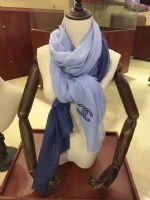 大牌围巾厂家高档羊绒真丝货源小香围巾