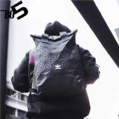 三叶草情侣运动系列2018新款0100经典源头批发网络供图
