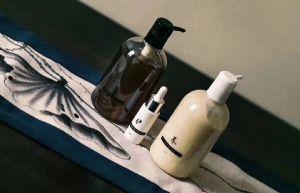 暖欣纯中药洗发水