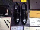 给大家揭秘一下高仿鞋批发微信,一般在哪里买