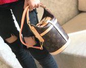 高档奢侈品LV包包,以卓越品质杰出创意和精湛工艺引领潮流图片