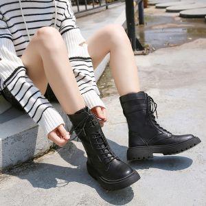 真皮马丁靴款式支持微商代理,大量现货备货图片