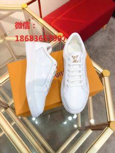 微商卖鞋子一手货源,运动鞋微信代理,好工厂