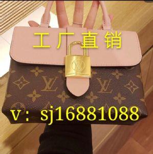 专注大牌十年,包包,鞋子,手表,饰品,服装,一手货源,厂家直销图片