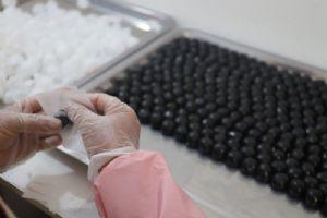 你吃的可能不是九蒸九晒黑芝麻丸,而是黑米黑豆丸!图片