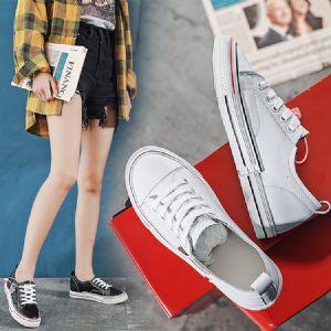 实体店新版已经更新,设计师已经开始新款女鞋