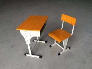 广东学生课桌椅供应单人可升降桌椅学校学习书桌