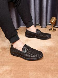 广州厂家直销古 驰品牌普 拉达巴 宝莉各类高档男鞋